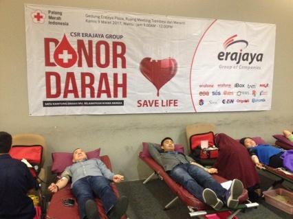 9-release-donor-darah-erajaya-group-2017-2-426x_.jpg?token=bb82d74dd2cad6e7c2bdd5d32da3c97a