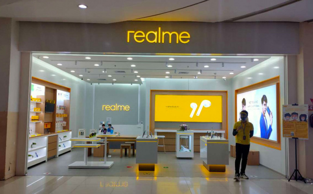 realme and Erajaya Group Inaugurates realme Exclusive Store in Cibinong City Bogor Mall