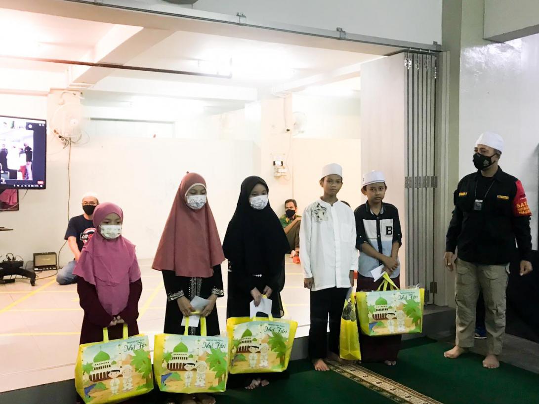 csr-ramadhan-donation-1091x_.jpeg?token=63e96d828bd4284969610b606a698d1c